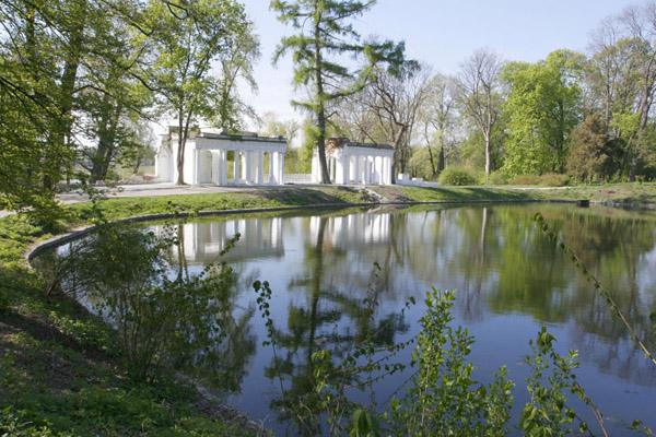 Парк Олександрія. Озеро