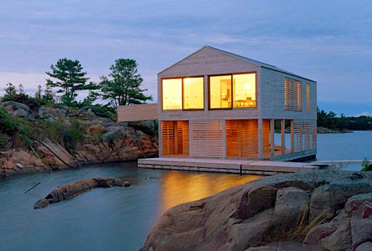 будинок на плоту на озері Гурон