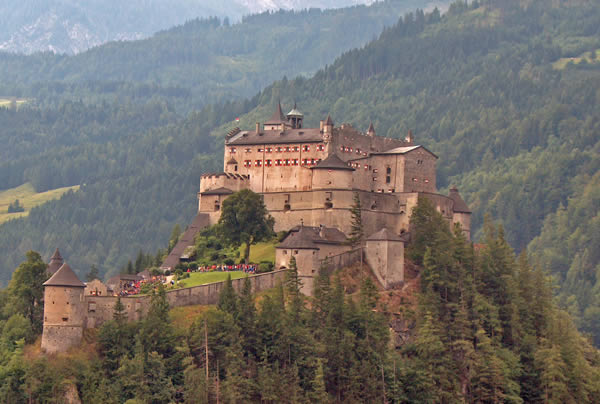Замок Хоенверфен