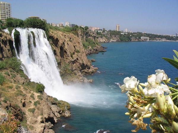 Турція. Водоспад в Анталії