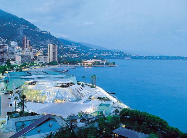 Монако ввечері