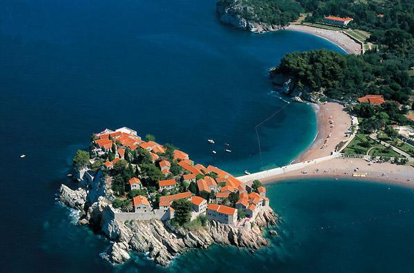Острів біля Чорногорії