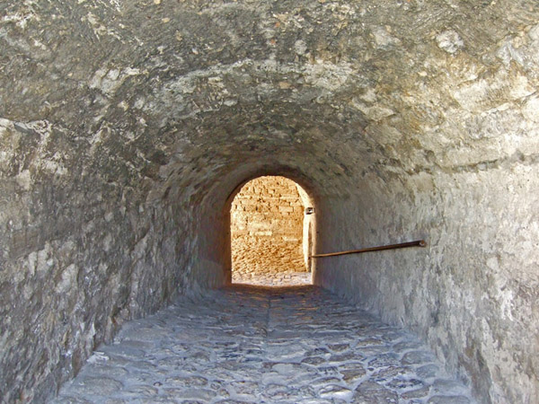 Замок Баба Виду в Болгарії