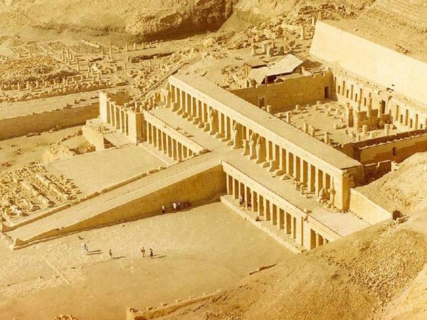 Храм в Луксорі