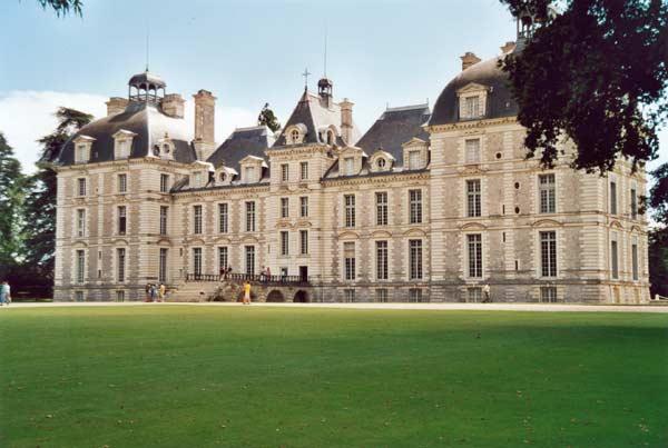 Замок у Франції Шеверні