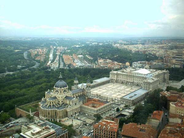 Королівський палац в Мадриді