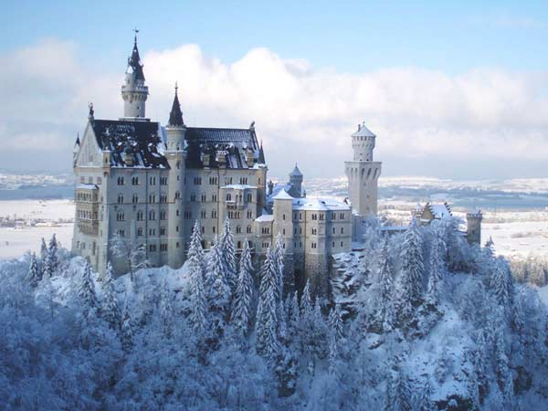 замок Нойшванштайн взимку