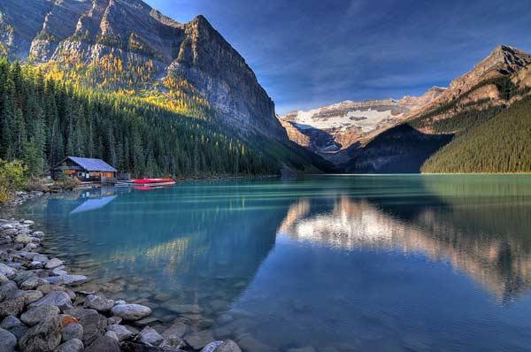 Озеро Луїза в Канаді