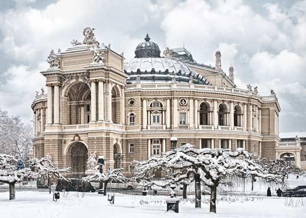 Оперний театр в Одесі взимку