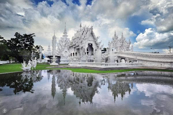 Храм Ват Ронг Кхун