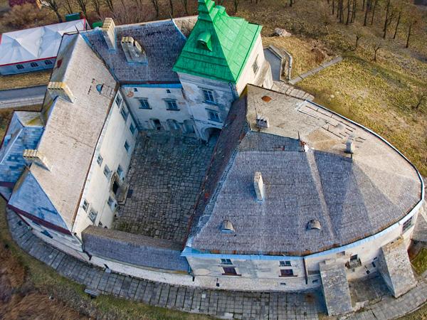 Олеський замок згори