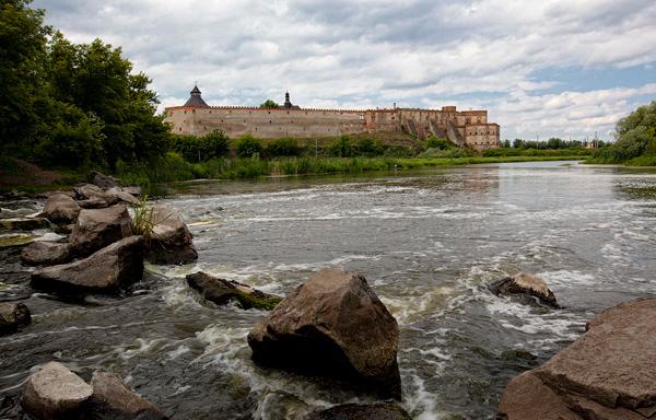 Меджибізький замок, вид з мосту