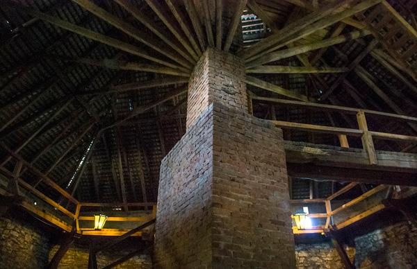 Меджибізький замок, конструкція даху