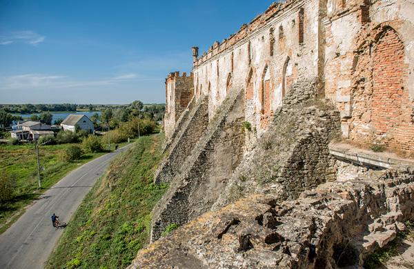 зовнішні мури