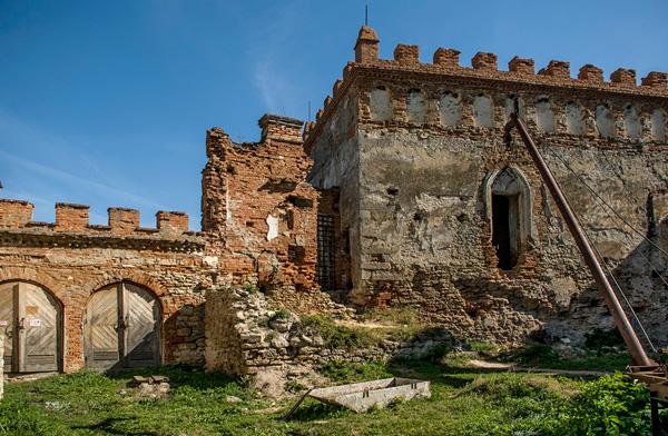 Меджибізький замок, укріплення