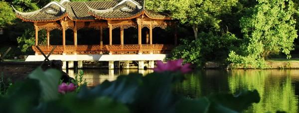 Озеро Сіху в Китаї