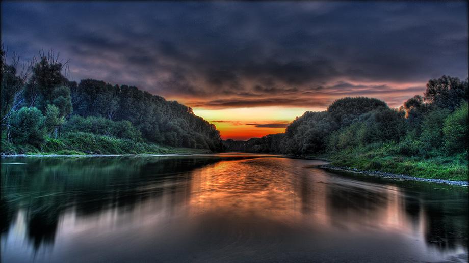 Захід сонця на Амазонці