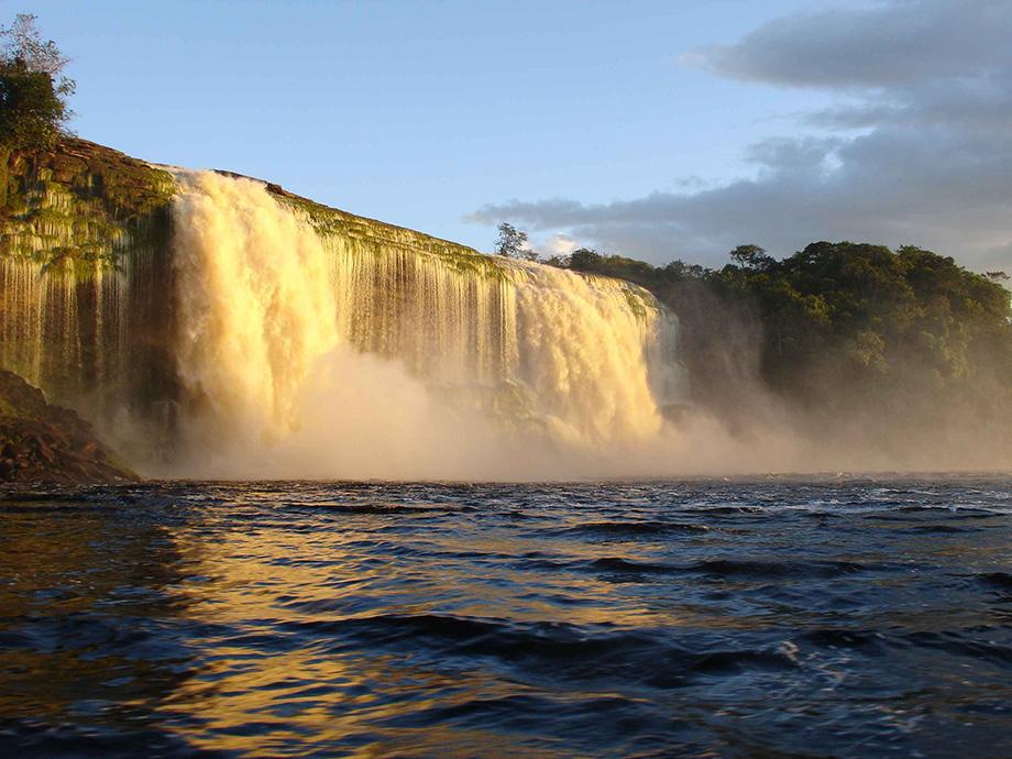 Водоспад на Амазонці