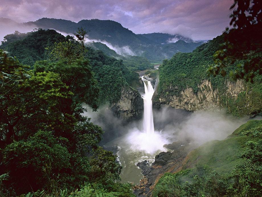 Амазонка. Водоспад