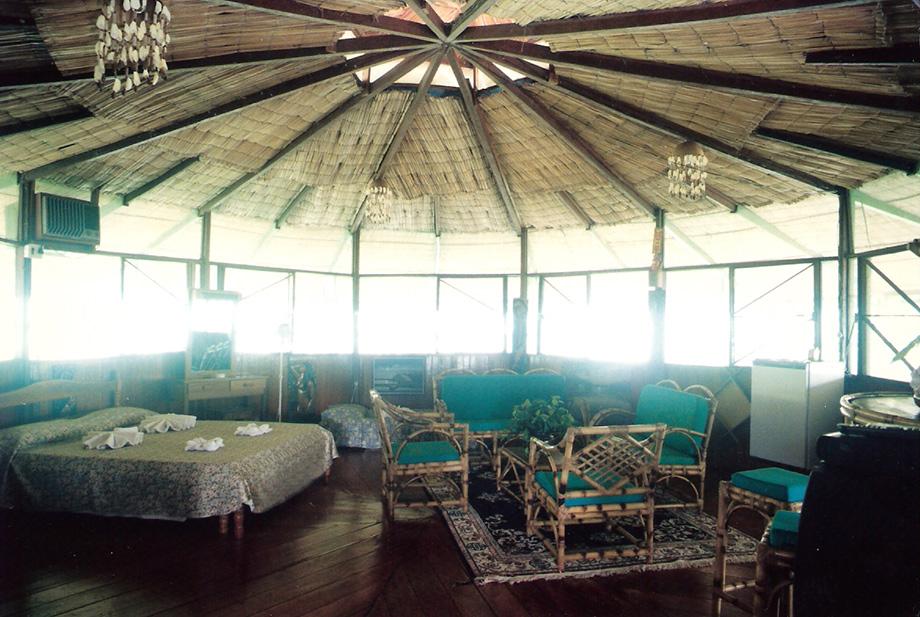 Зала в готелі