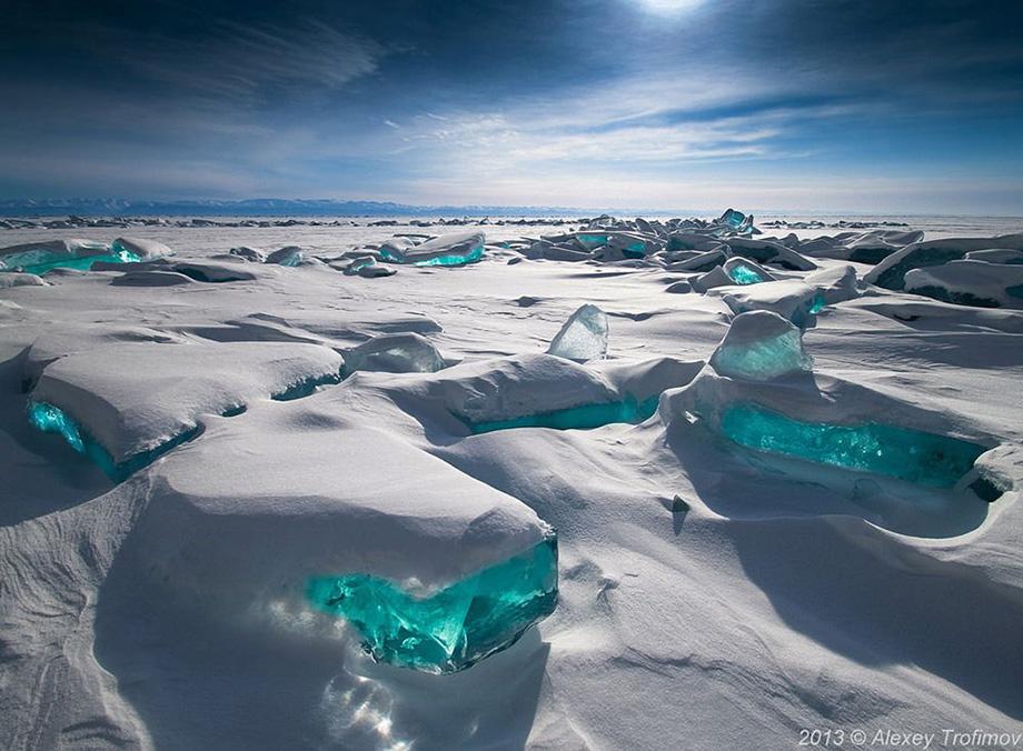 Бірюзовий лід, озеро Байкал, Росія