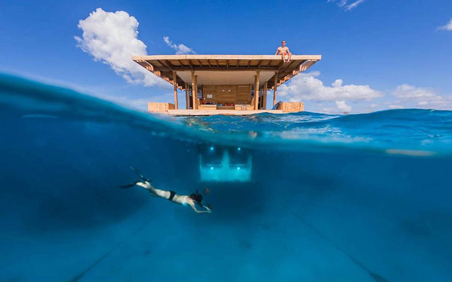 Підводний готель Manta Resort