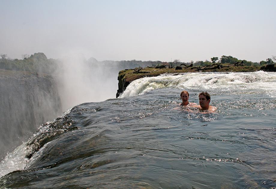 Плавання на Водоспаді Вікторія