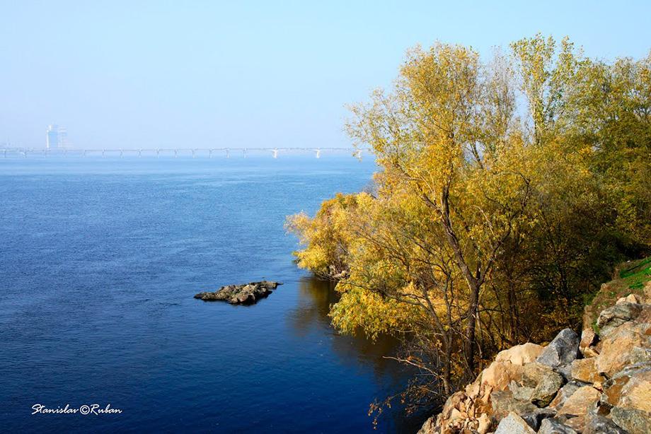 Вид з Монастирського острова