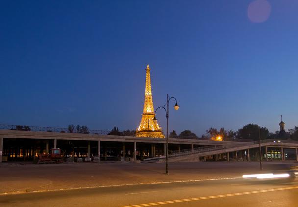 Ейфелева вежа в Харкові