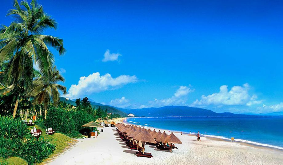 Пляж Санья на Хайнані