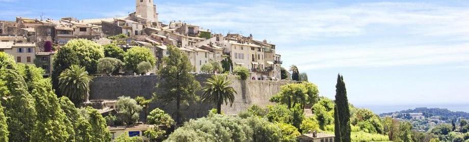 Старовинне містечко Сен-Поль-де-Ванс у Франції