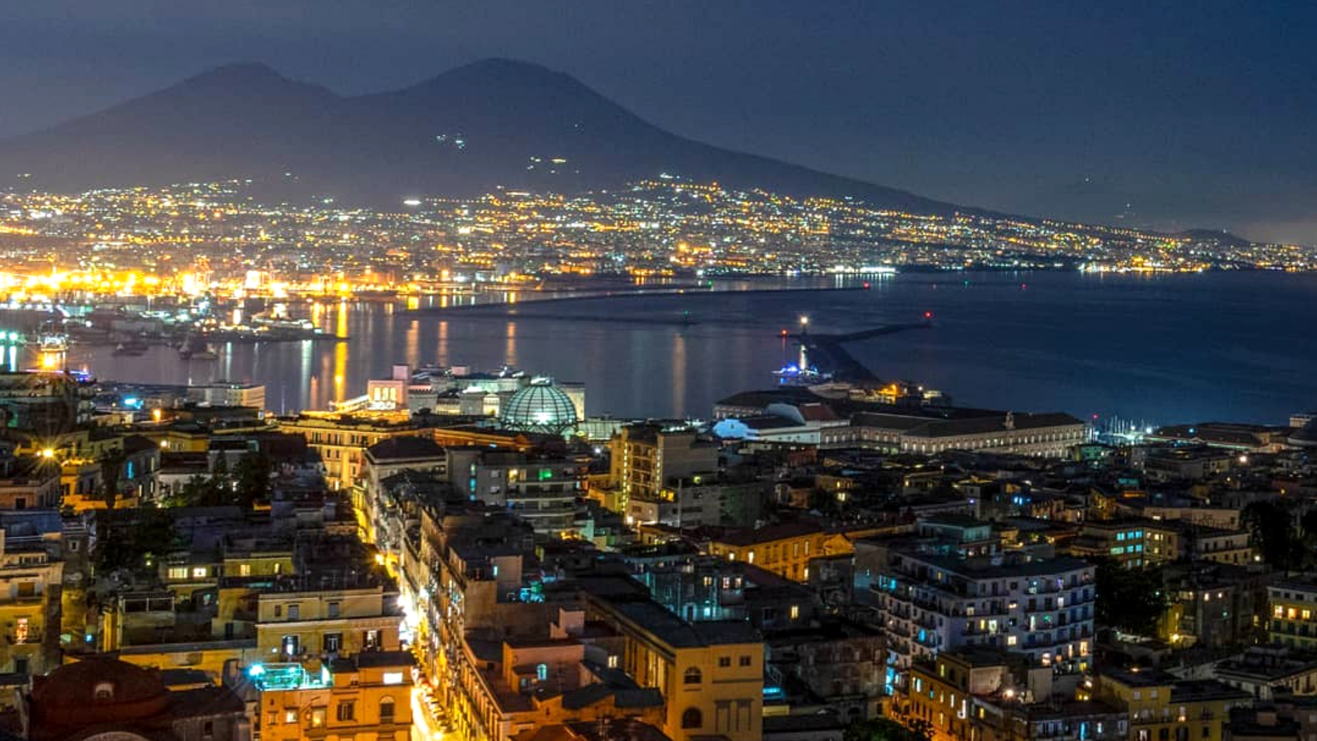 The-new-city-of-Naples-Italy2