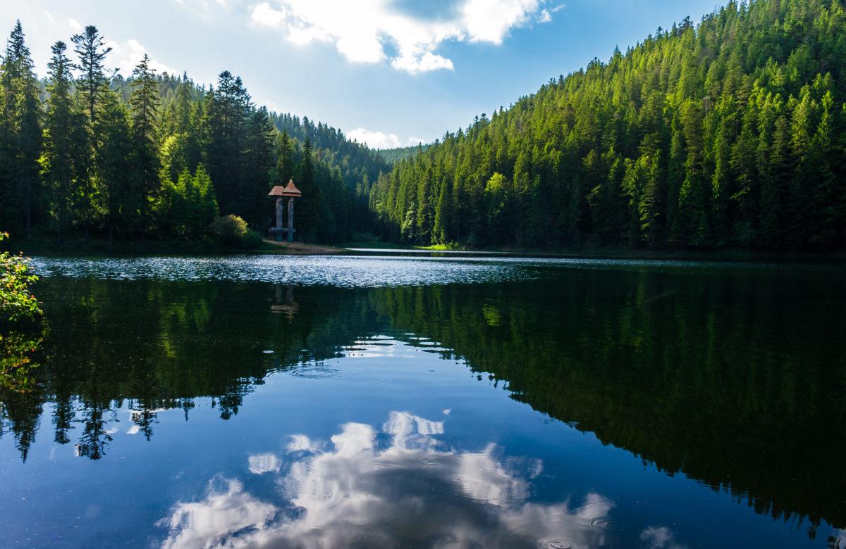 Unique-lake-Synevyr-in-Transcarpathia0